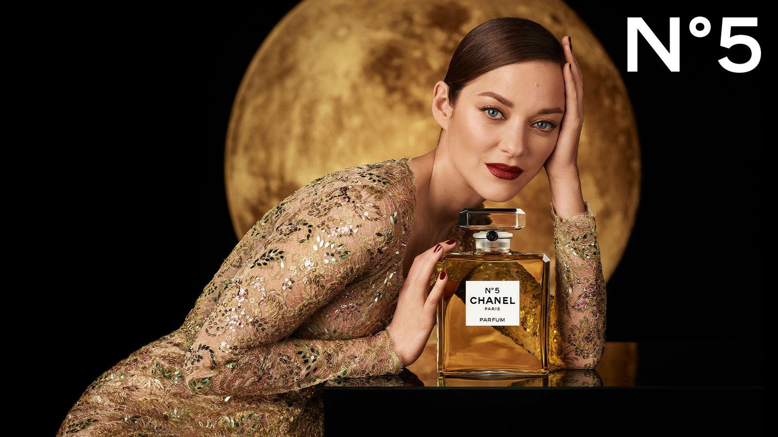 1600_TEASING_HOLIDAY_N°5_Fragrance_1020